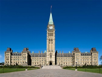 4 People Rescued from River near Parliament Hill