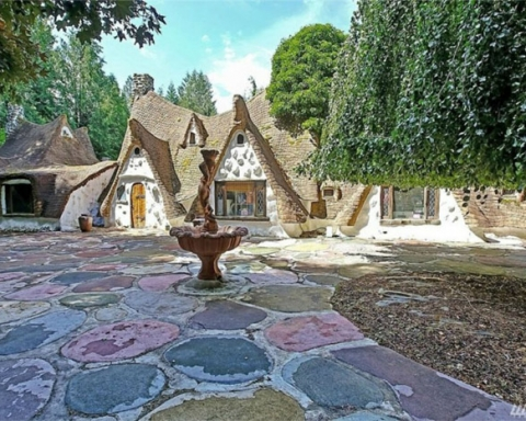 7 dwarfs cottage