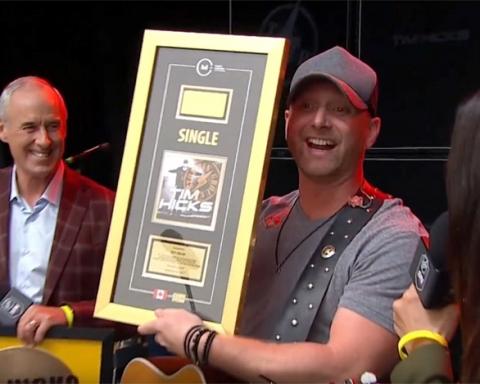 Tim Hicks winning Gold Award